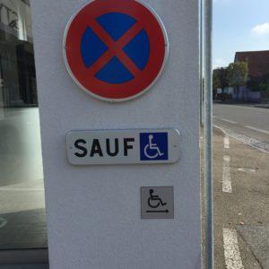 Panneau place de parking adaptée
